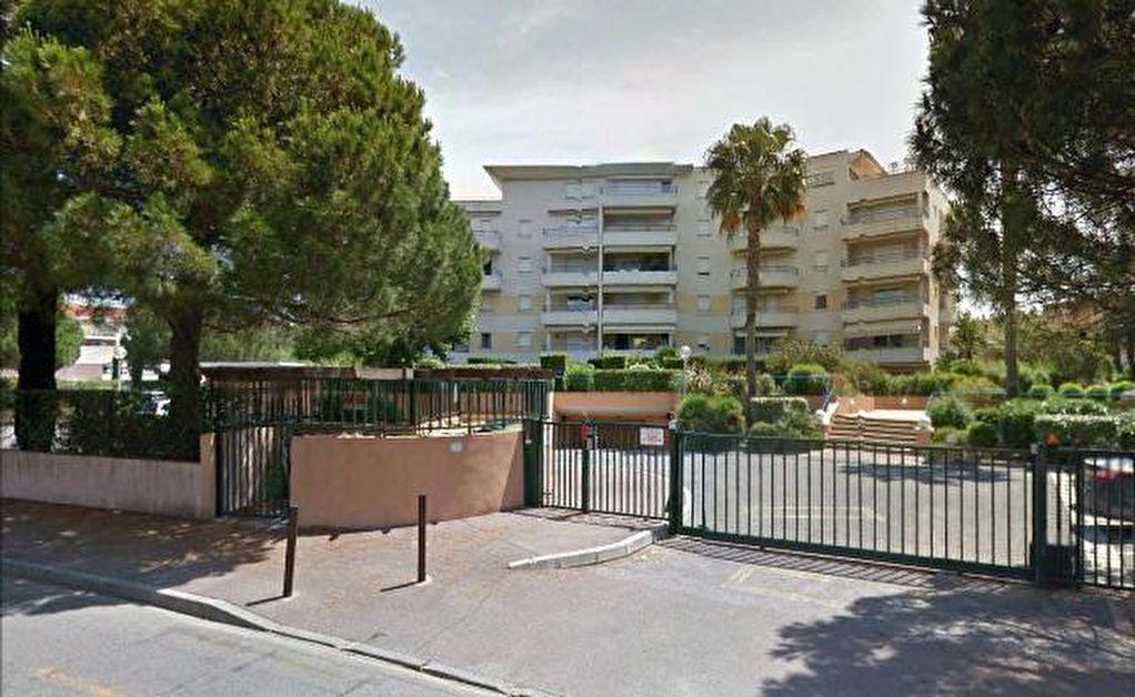 Appartement à louer 2 46m2 à Fréjus vignette-8