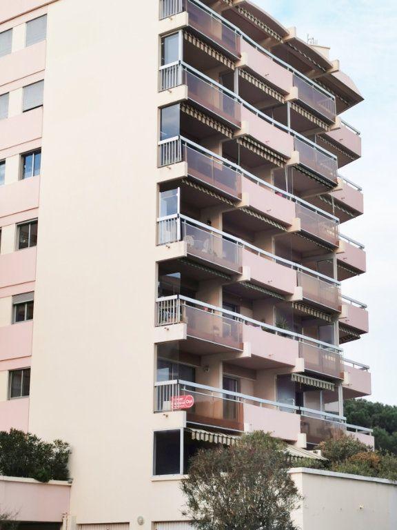 Appartement à louer 3 61m2 à Fréjus vignette-9