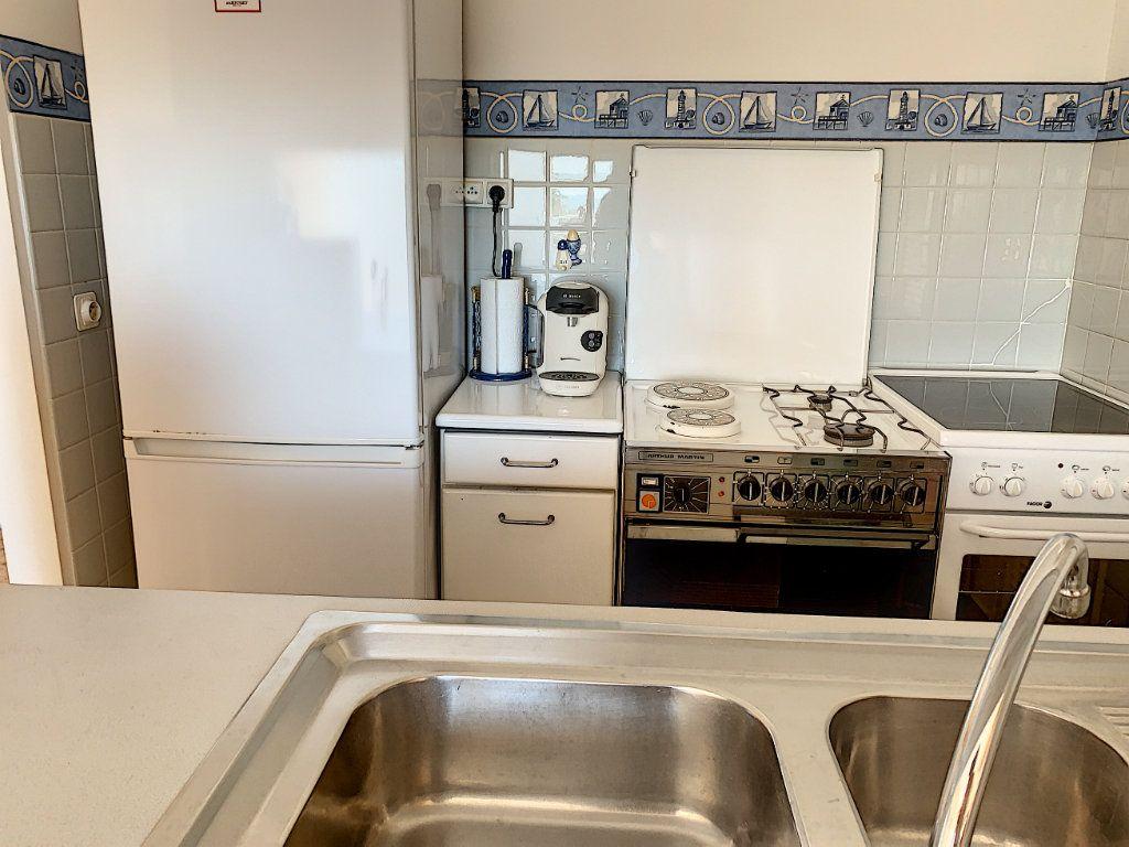 Appartement à vendre 2 47m2 à Fréjus vignette-4