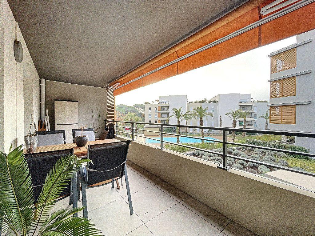 Appartement à vendre 2 48.96m2 à Fréjus vignette-2