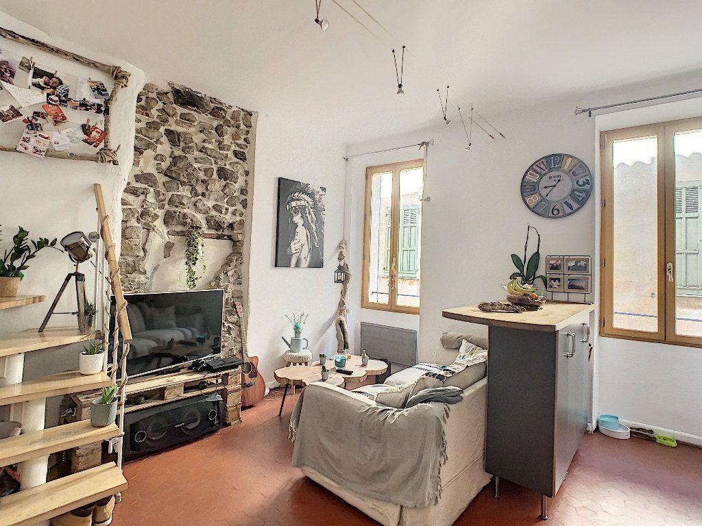Appartement à vendre 2 40m2 à Roquebrune-sur-Argens vignette-1
