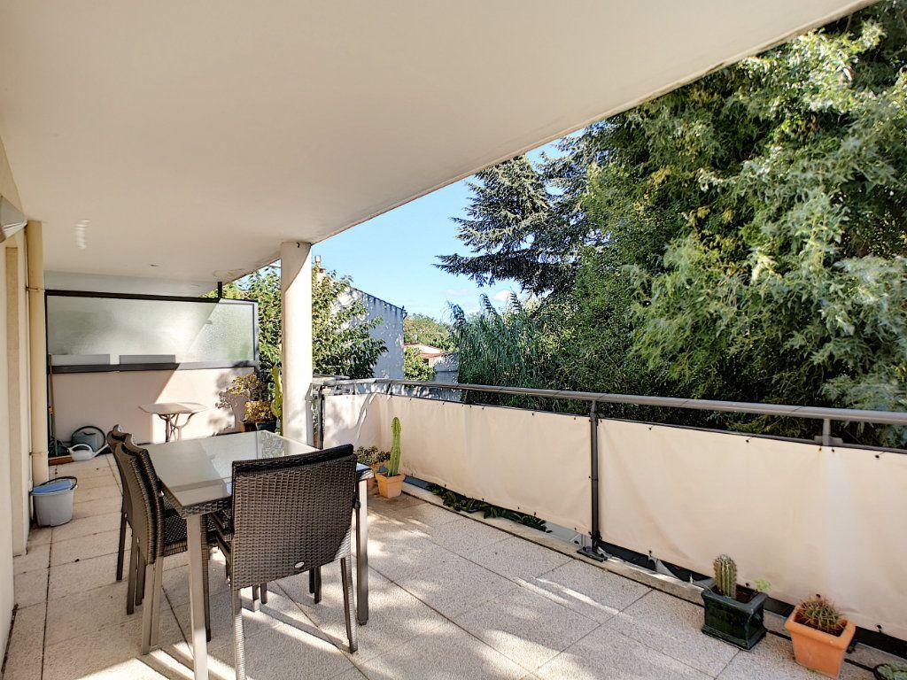 Appartement à vendre 4 92m2 à Saint-Raphaël vignette-1