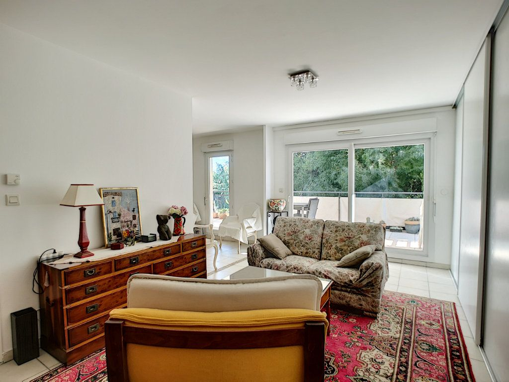 Appartement à vendre 4 92m2 à Saint-Raphaël vignette-5