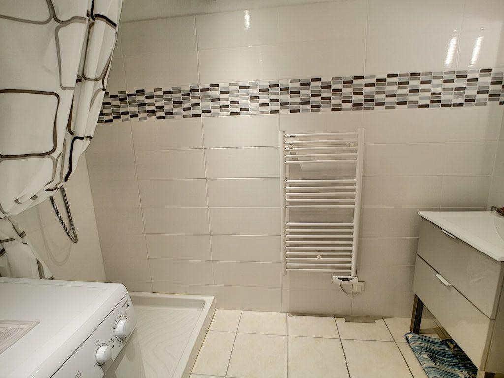 Appartement à vendre 4 92m2 à Saint-Raphaël vignette-6