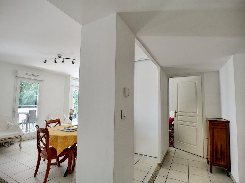 Appartement à vendre 4 92m2 à Saint-Raphaël vignette-7