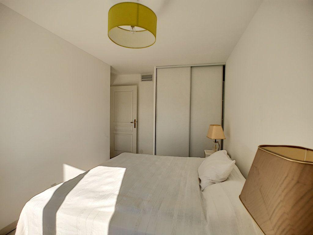 Appartement à vendre 4 92m2 à Saint-Raphaël vignette-9