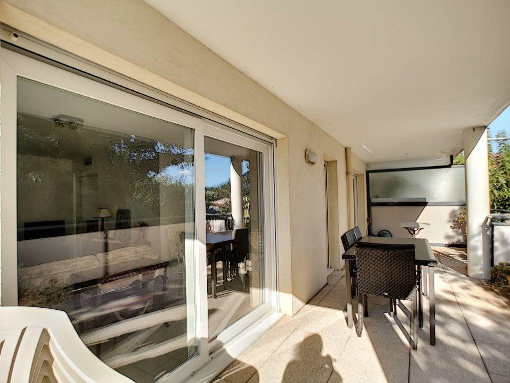 Appartement à vendre 4 92m2 à Saint-Raphaël vignette-10