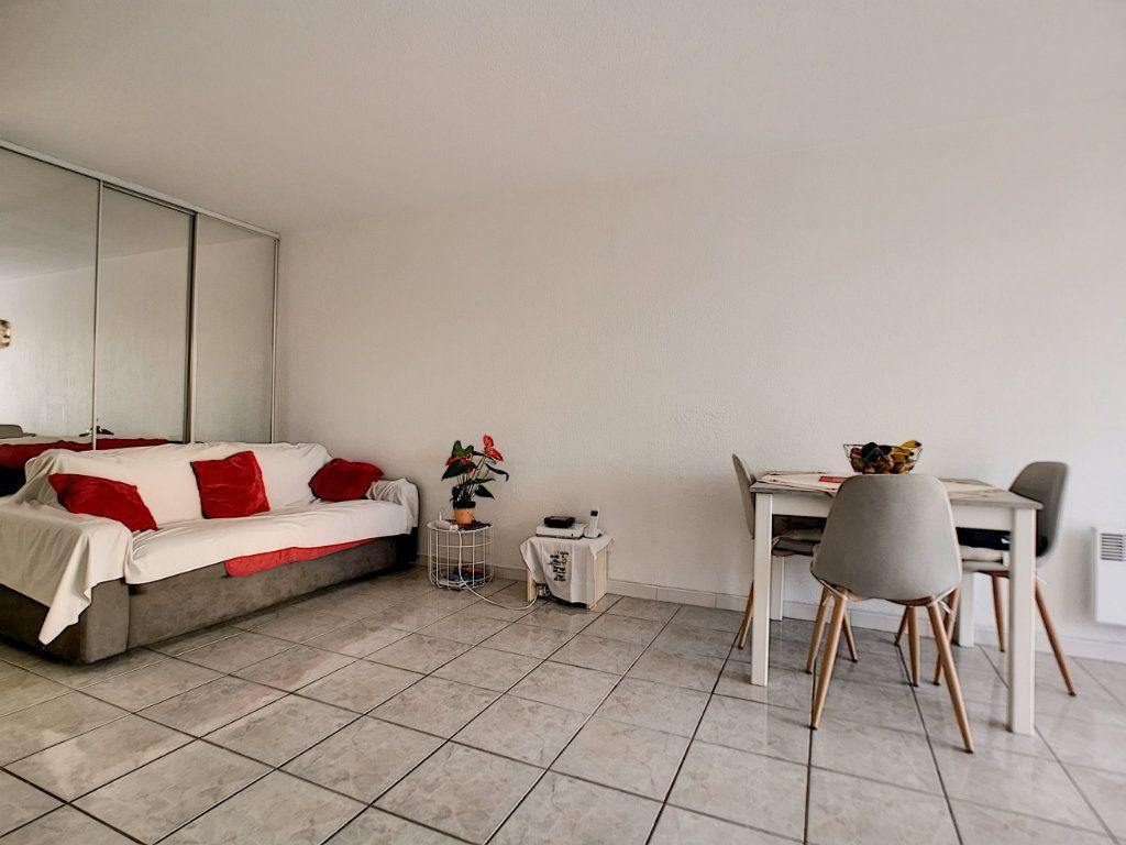 Appartement à vendre 2 34m2 à Fréjus vignette-4