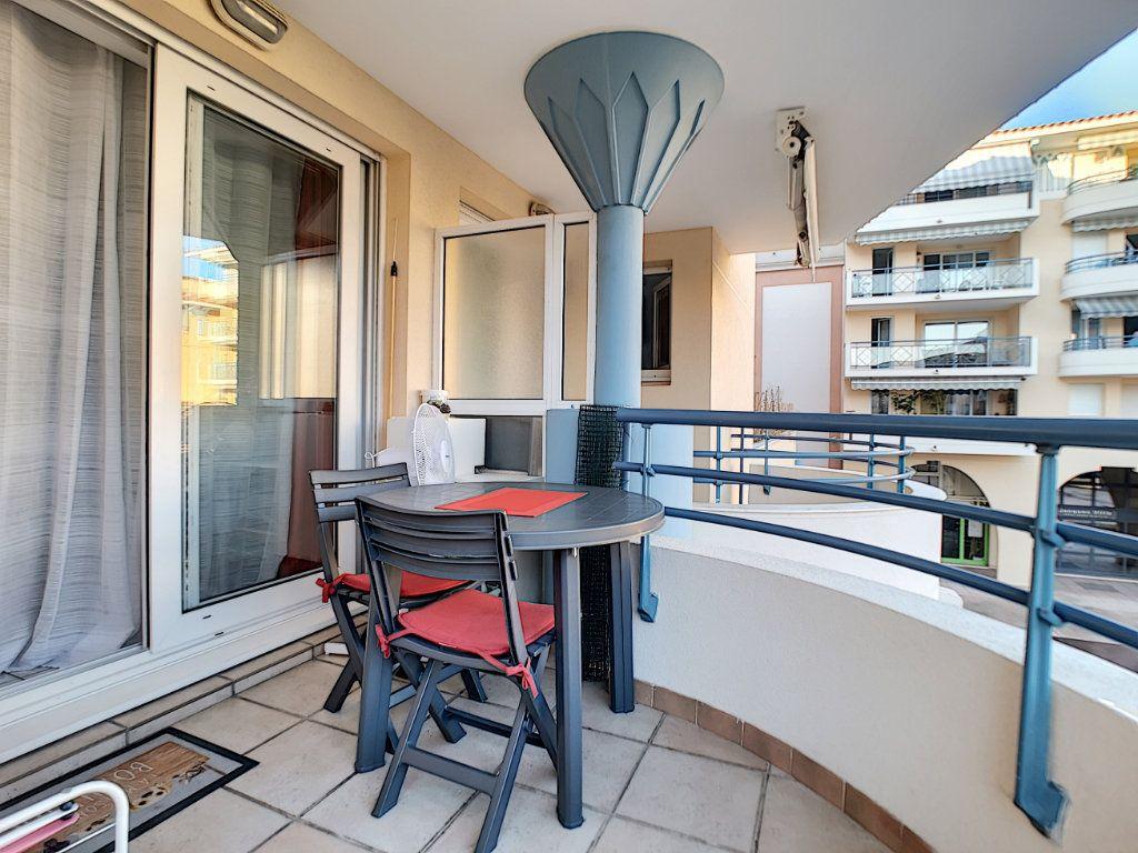 Appartement à vendre 2 34m2 à Fréjus vignette-5