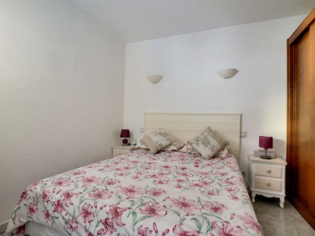 Appartement à vendre 2 34m2 à Fréjus vignette-6