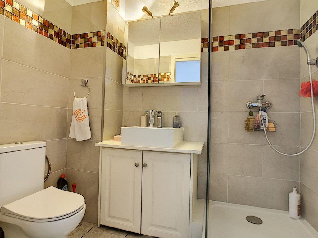 Appartement à vendre 2 34m2 à Fréjus vignette-7