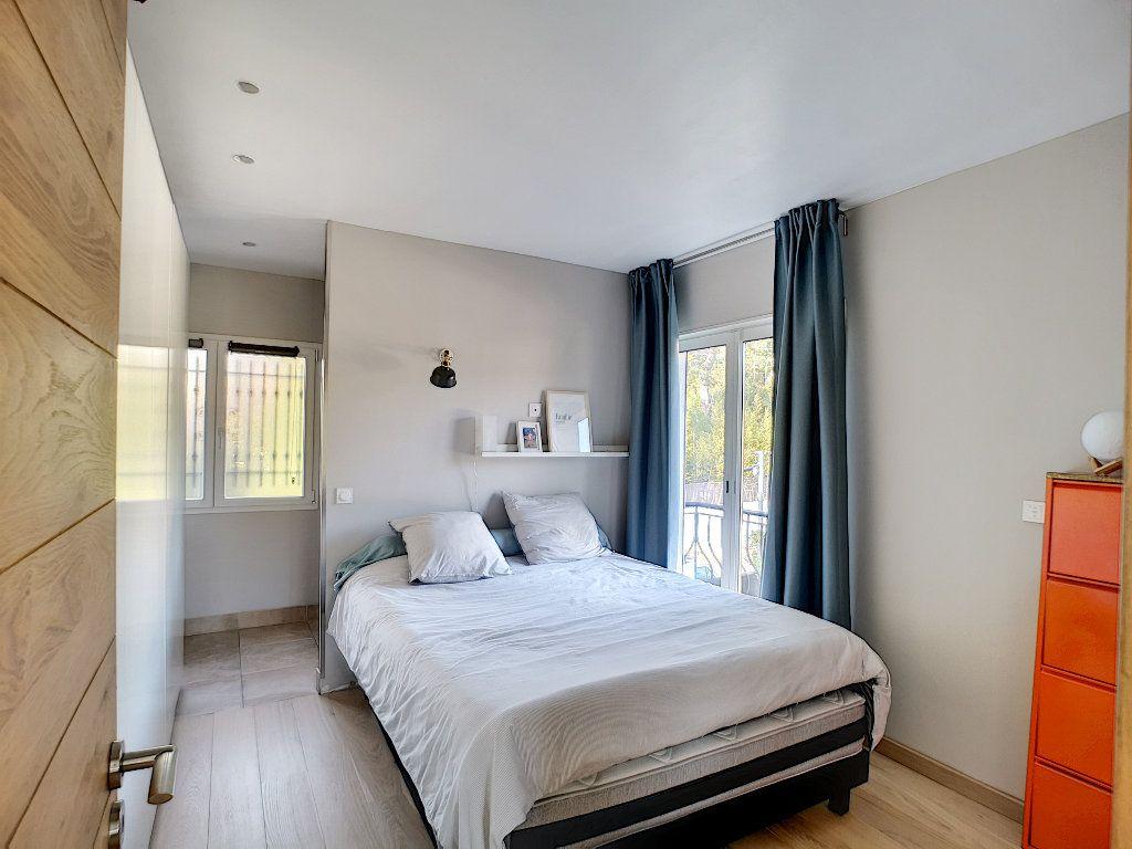 Appartement à vendre 3 66.74m2 à Saint-Raphaël vignette-10
