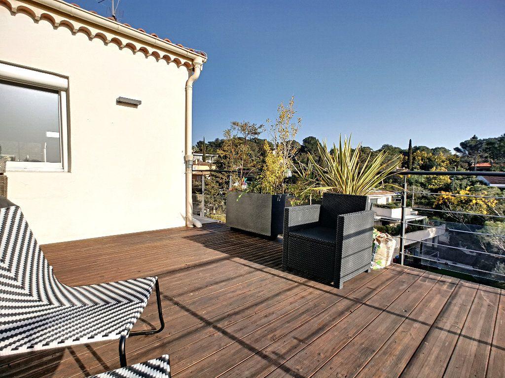 Appartement à vendre 3 66.74m2 à Saint-Raphaël vignette-13