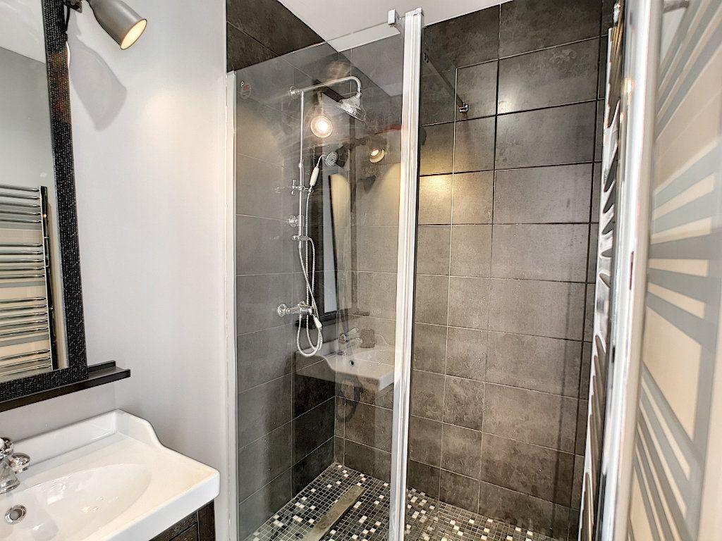Appartement à vendre 3 66.74m2 à Saint-Raphaël vignette-15