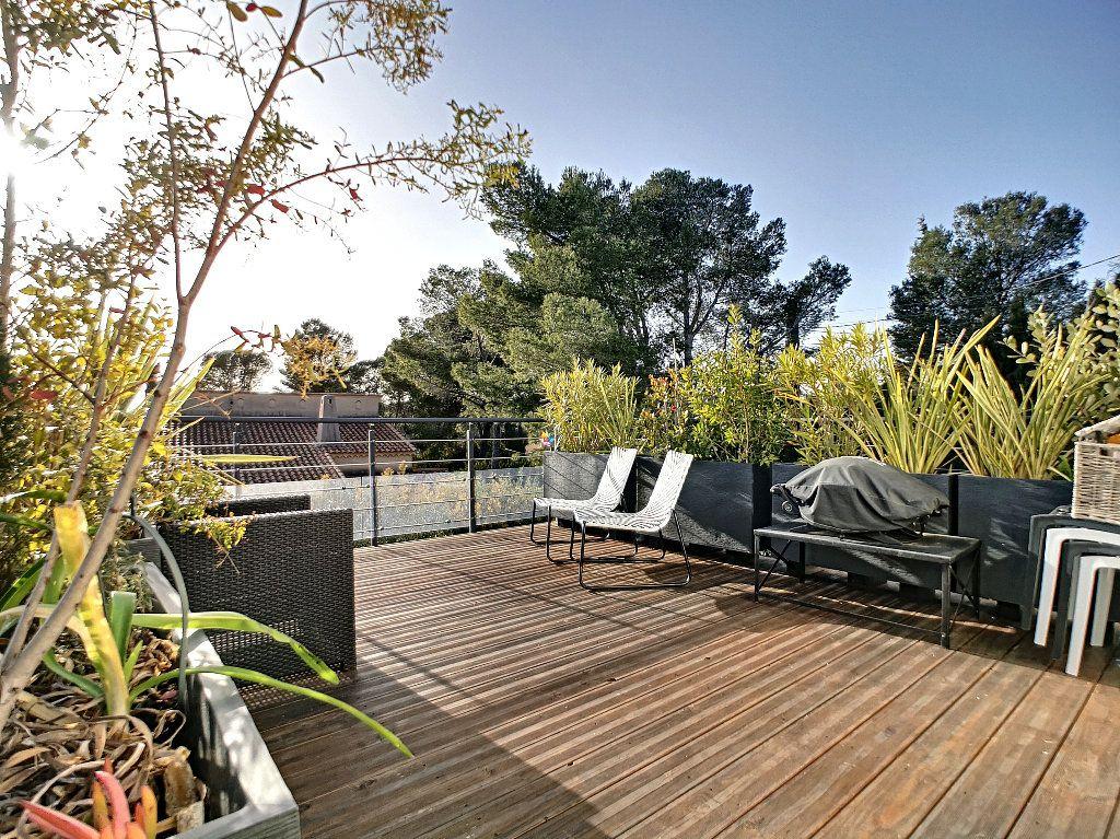 Appartement à vendre 3 66.74m2 à Saint-Raphaël vignette-16