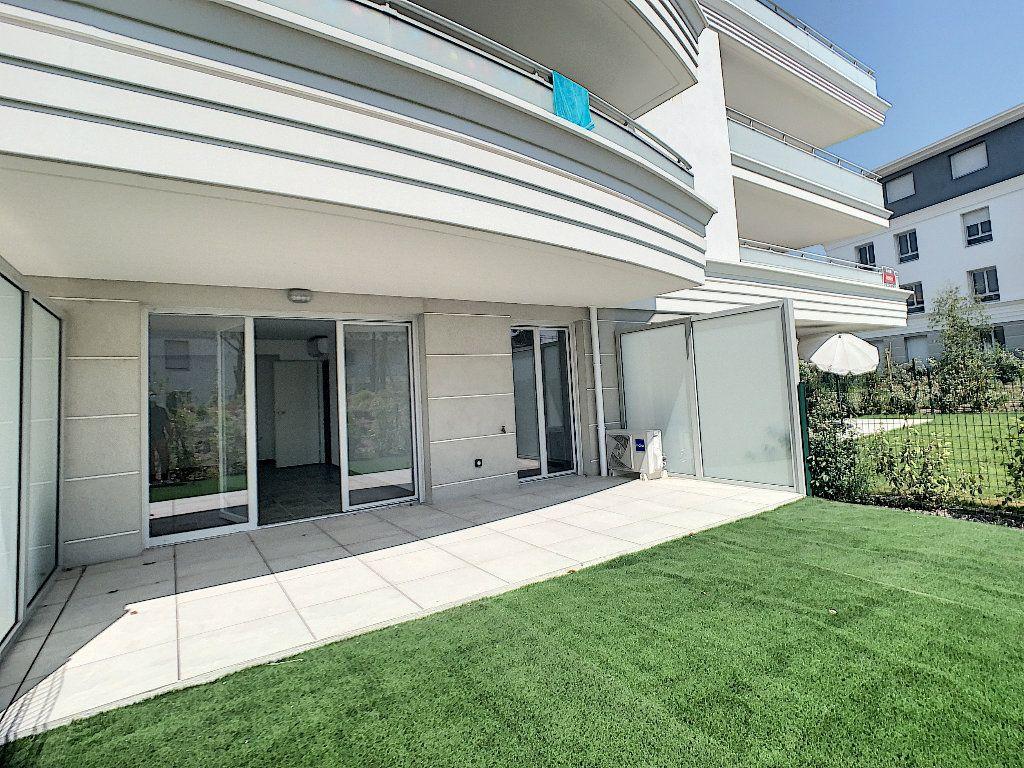 Appartement à vendre 2 40.39m2 à Puget-sur-Argens vignette-2