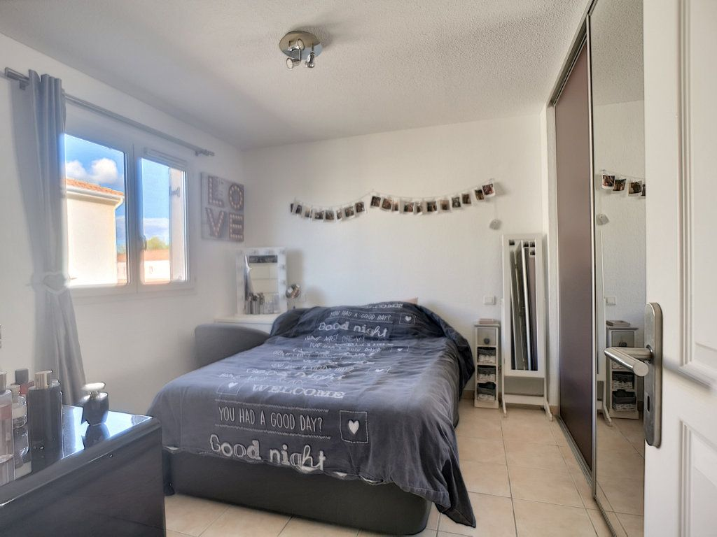 Maison à vendre 4 105.78m2 à Saint-Raphaël vignette-7