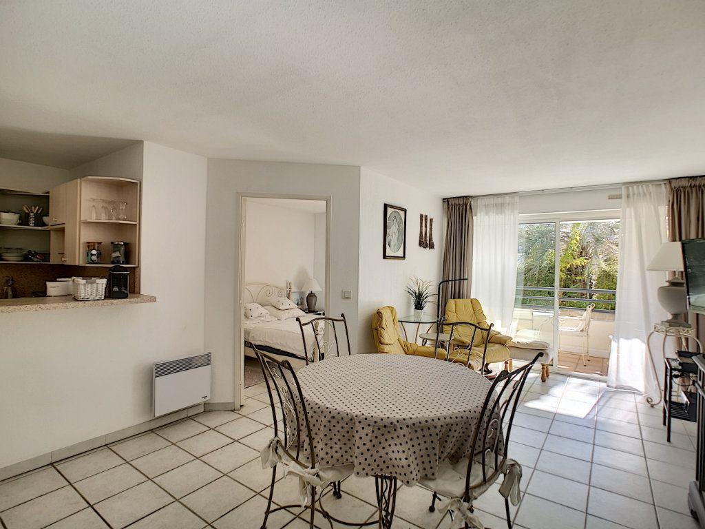Appartement à vendre 2 45.03m2 à Saint-Raphaël vignette-4