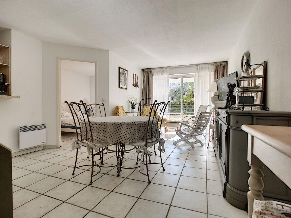 Appartement à vendre 2 45.03m2 à Saint-Raphaël vignette-5