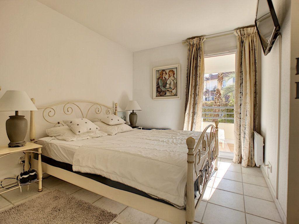 Appartement à vendre 2 45.03m2 à Saint-Raphaël vignette-8