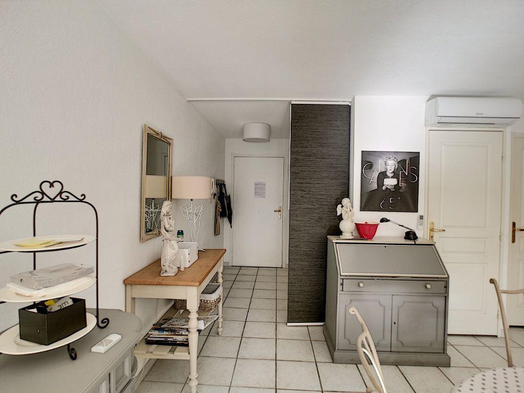 Appartement à vendre 2 45.03m2 à Saint-Raphaël vignette-10