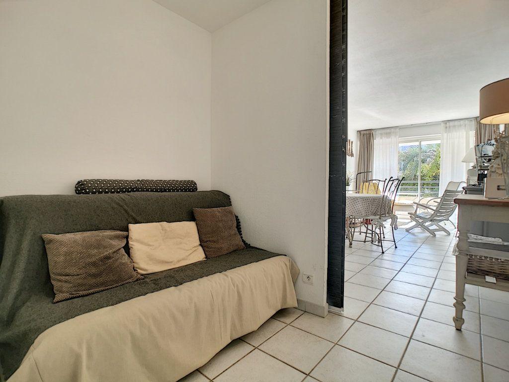 Appartement à vendre 2 45.03m2 à Saint-Raphaël vignette-11