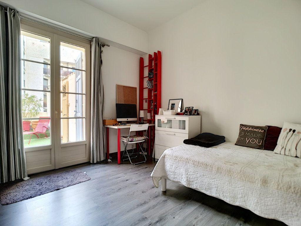 Appartement à vendre 5 127.39m2 à Saint-Raphaël vignette-11