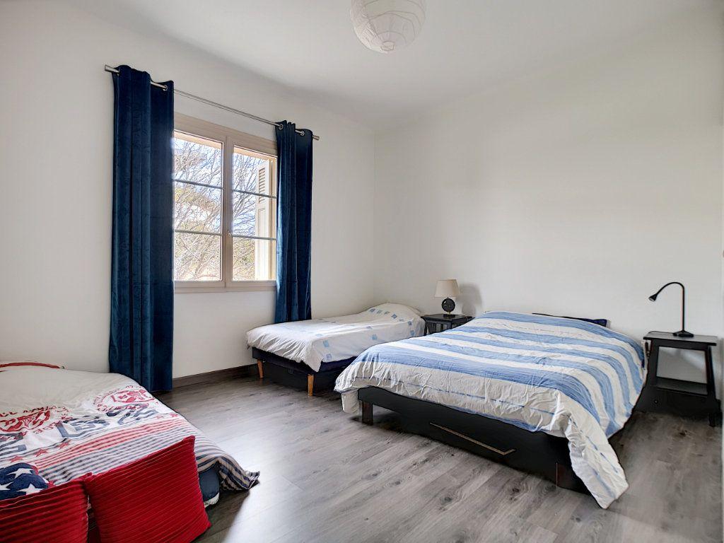 Appartement à vendre 5 127.39m2 à Saint-Raphaël vignette-15