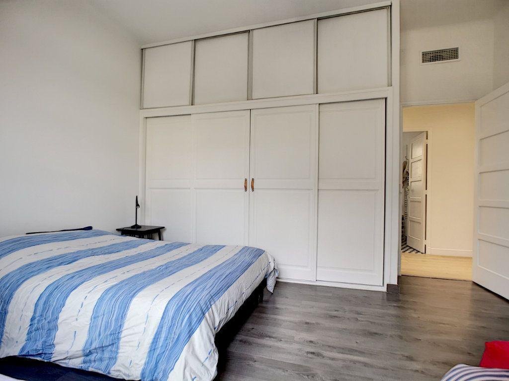 Appartement à vendre 5 127.39m2 à Saint-Raphaël vignette-16