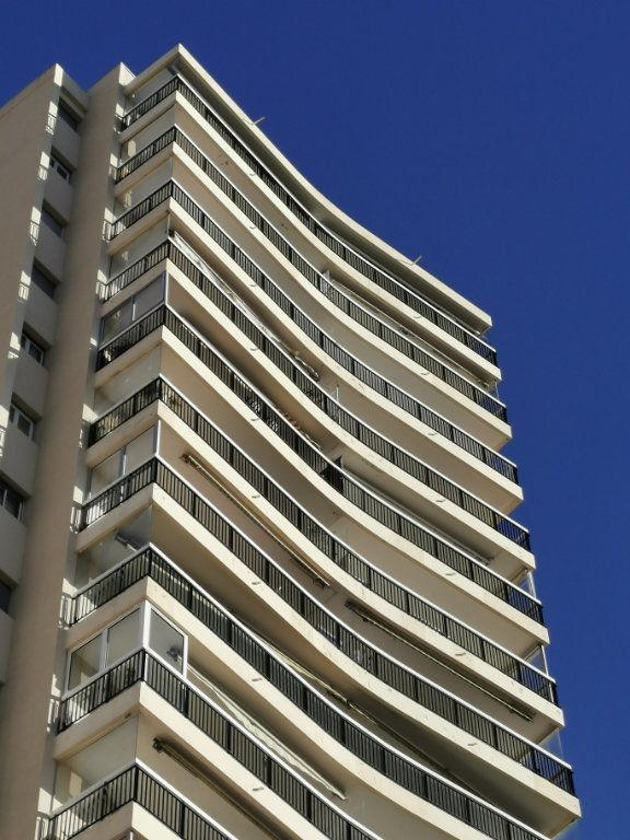 Appartement à louer 3 75m2 à Saint-Raphaël vignette-8