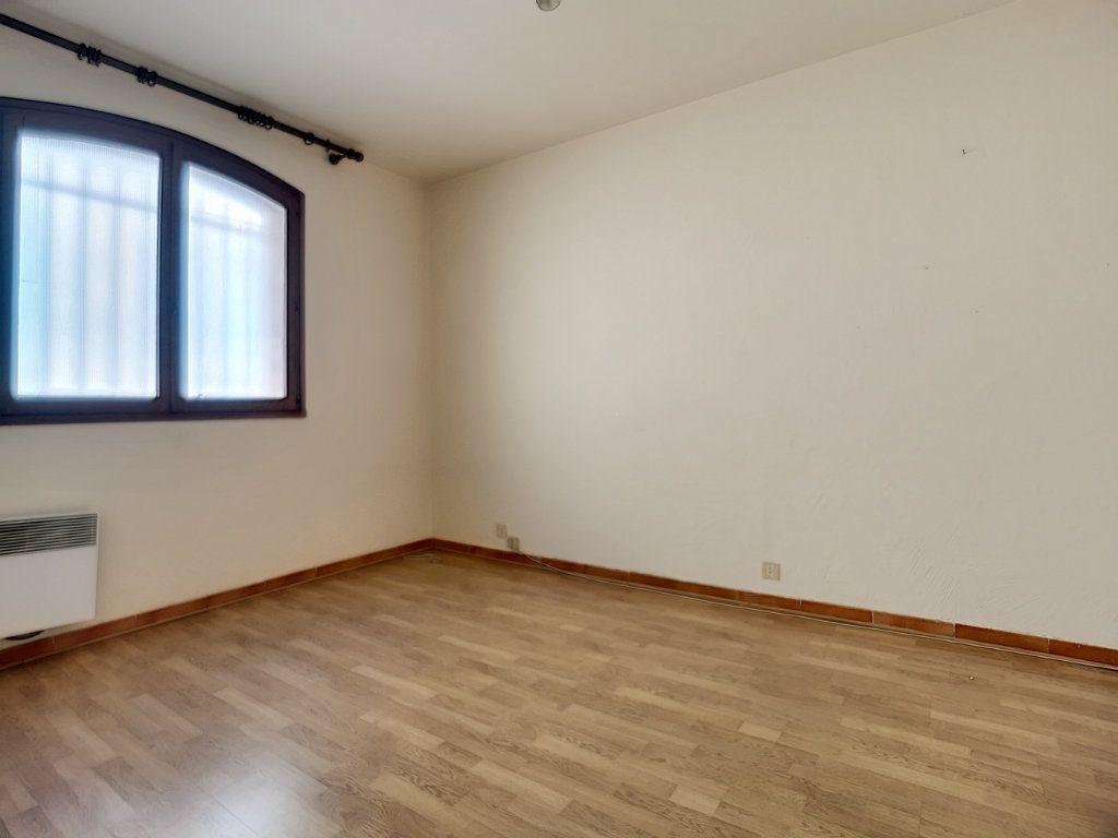 Appartement à vendre 5 222m2 à Fréjus vignette-10
