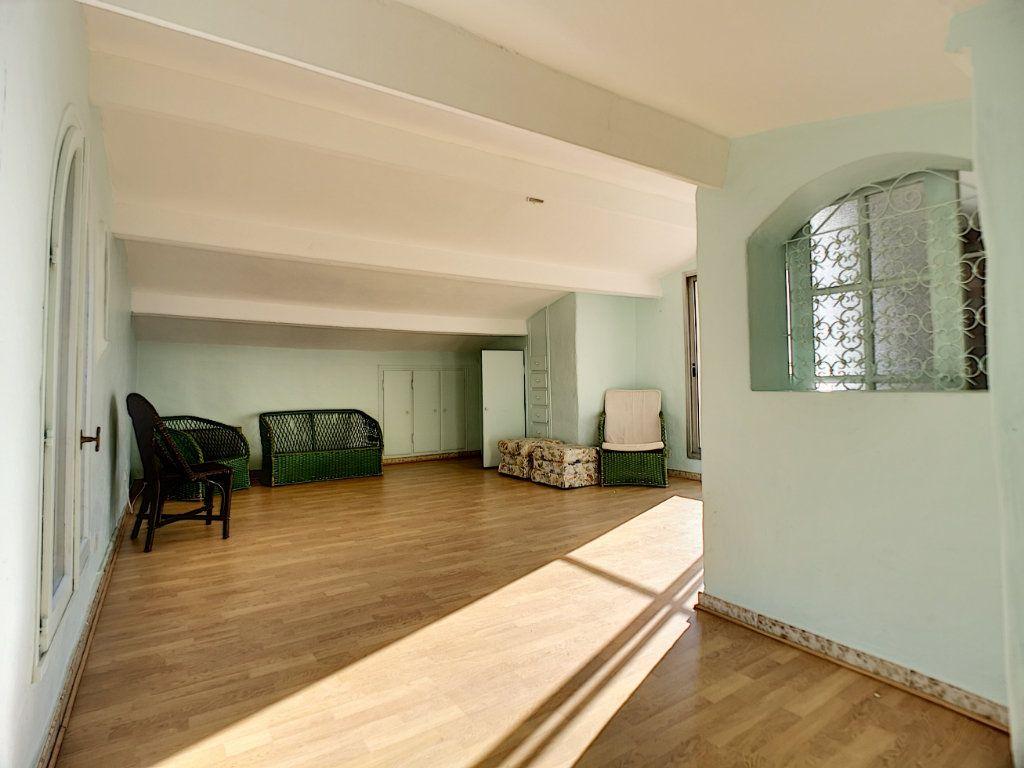 Appartement à vendre 5 222m2 à Fréjus vignette-13