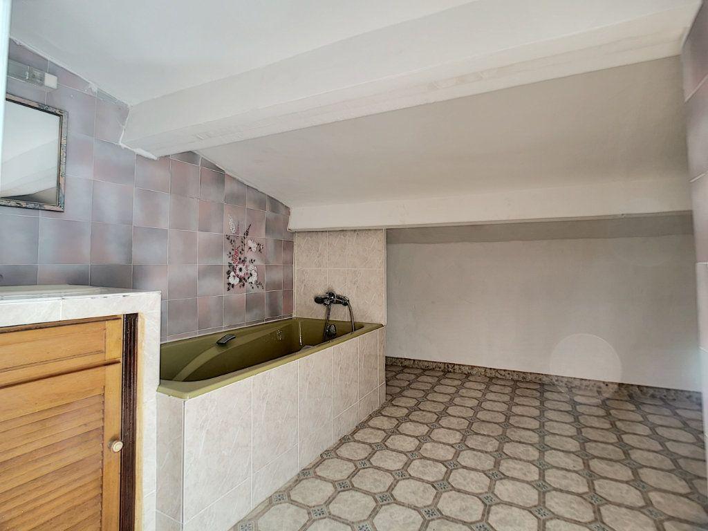 Appartement à vendre 5 222m2 à Fréjus vignette-15
