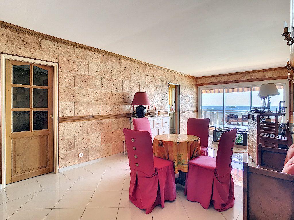 Appartement à vendre 3 65m2 à Fréjus vignette-3