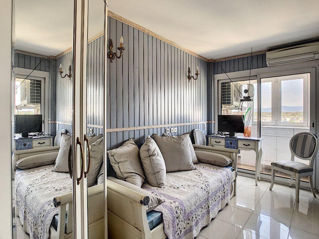Appartement à vendre 3 65m2 à Fréjus vignette-6
