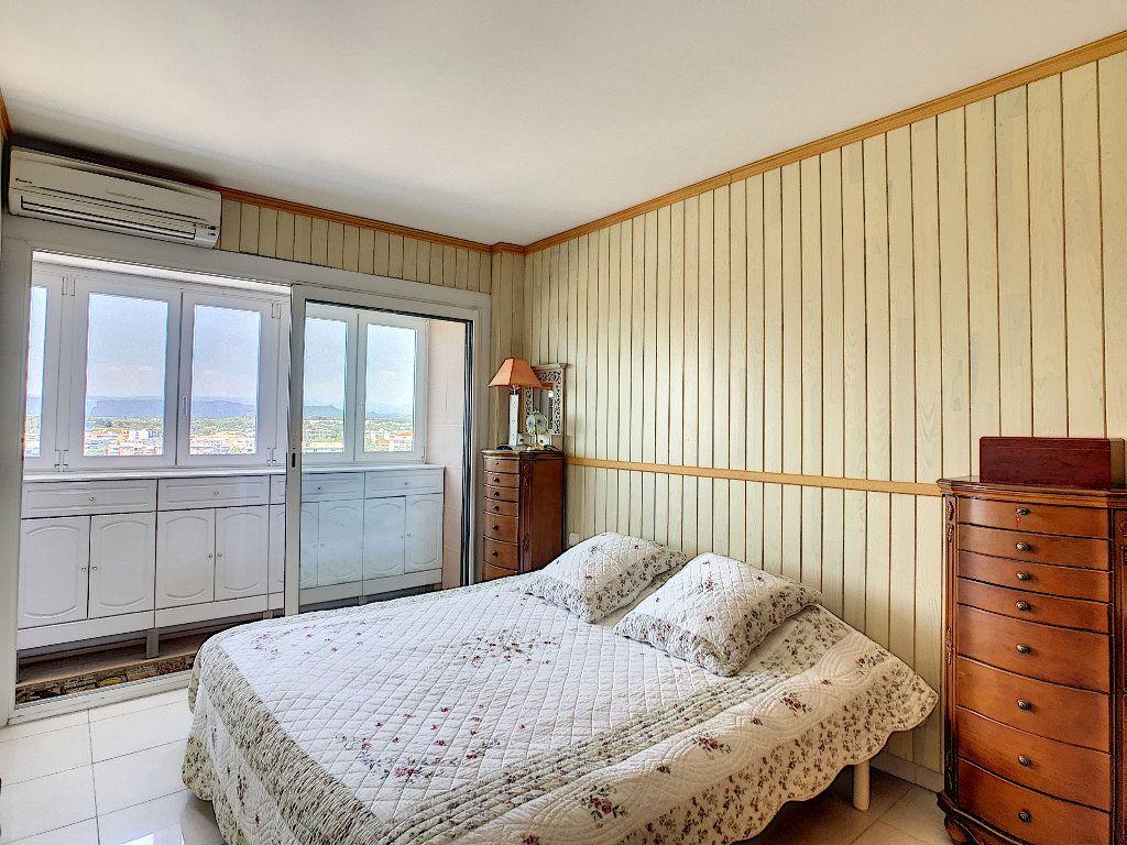 Appartement à vendre 3 65m2 à Fréjus vignette-7
