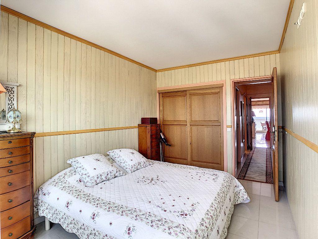 Appartement à vendre 3 65m2 à Fréjus vignette-8