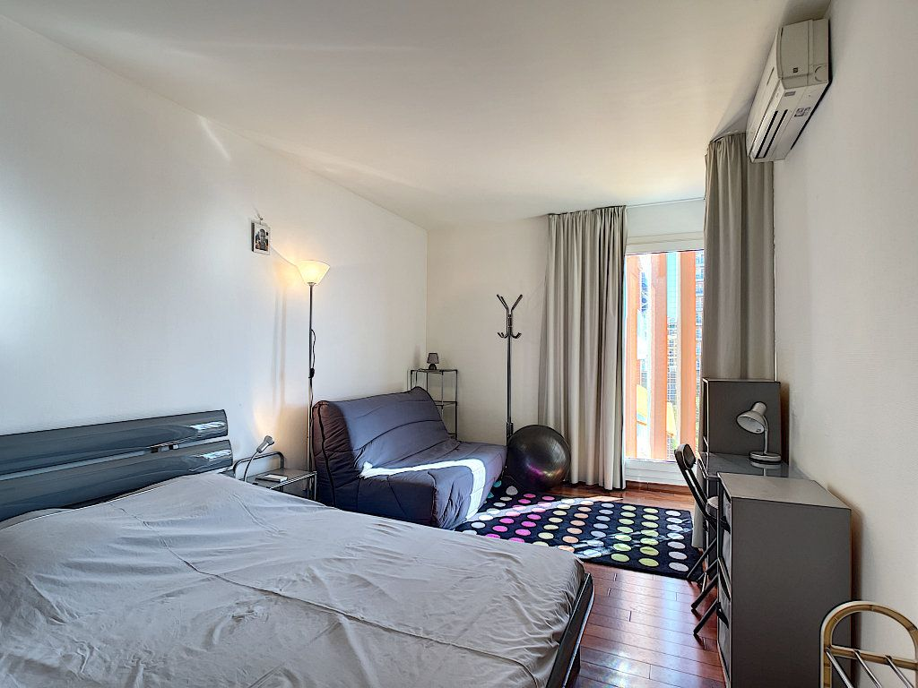 Appartement à vendre 2 42.8m2 à Fréjus vignette-4