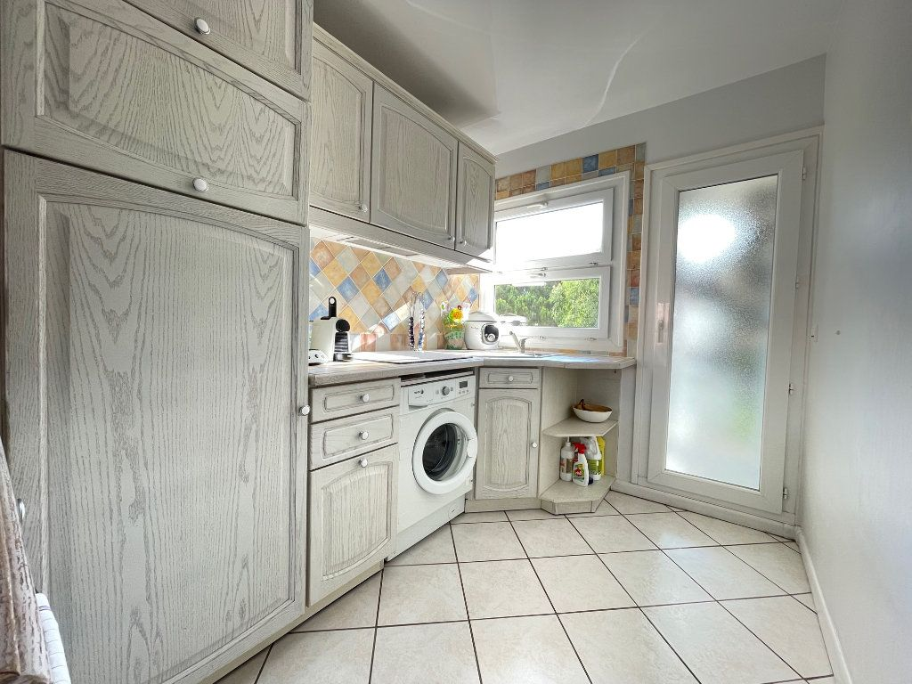 Appartement à vendre 3 53m2 à Fréjus vignette-2