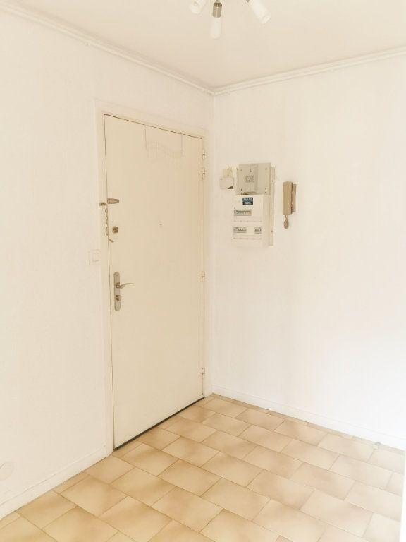 Appartement à louer 4 84m2 à Fréjus vignette-6