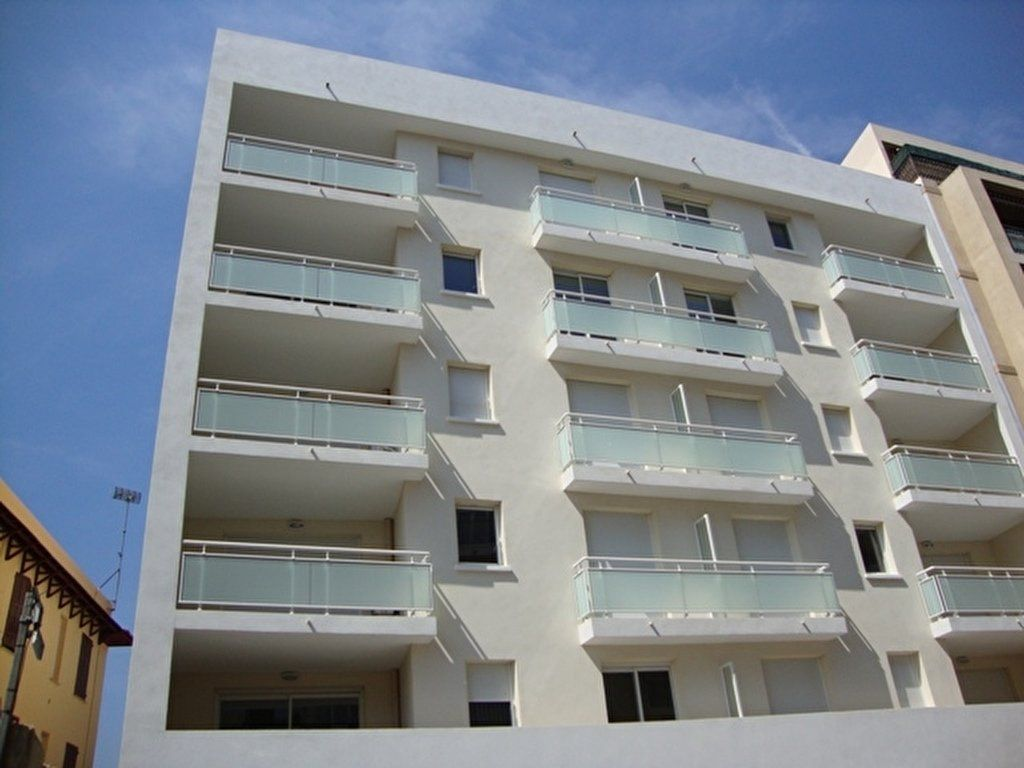Appartement à louer 2 45m2 à Cagnes-sur-Mer vignette-1