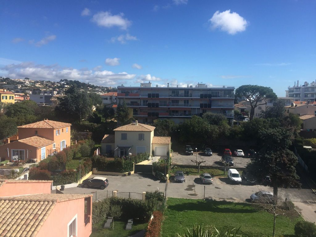 Appartement à louer 1 26.58m2 à Cagnes-sur-Mer vignette-5