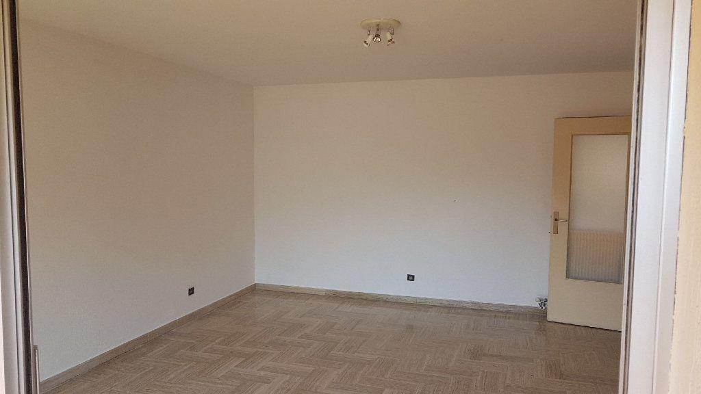 Appartement à louer 1 32m2 à Cagnes-sur-Mer vignette-2