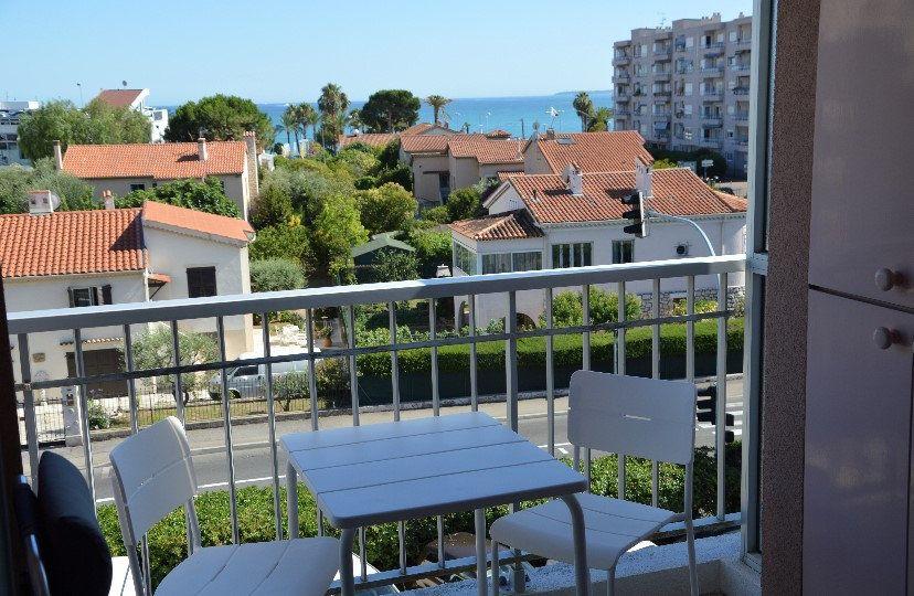 Appartement à vendre 2 31.79m2 à Cagnes-sur-Mer vignette-2