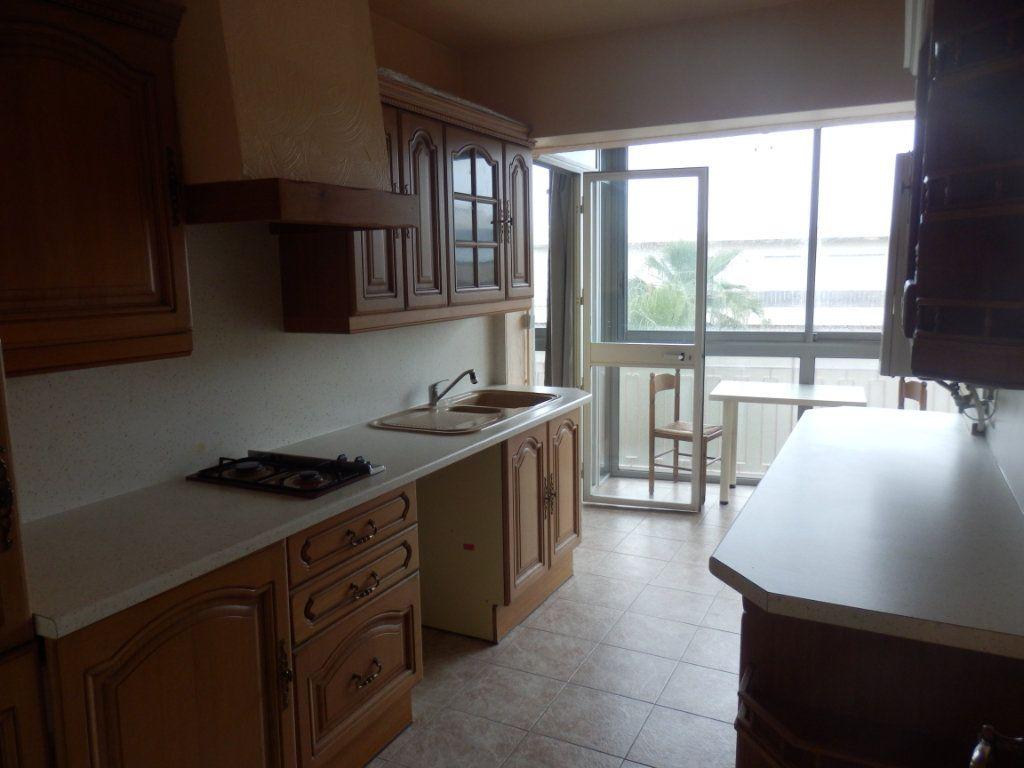 Appartement à louer 2 51m2 à Cagnes-sur-Mer vignette-1