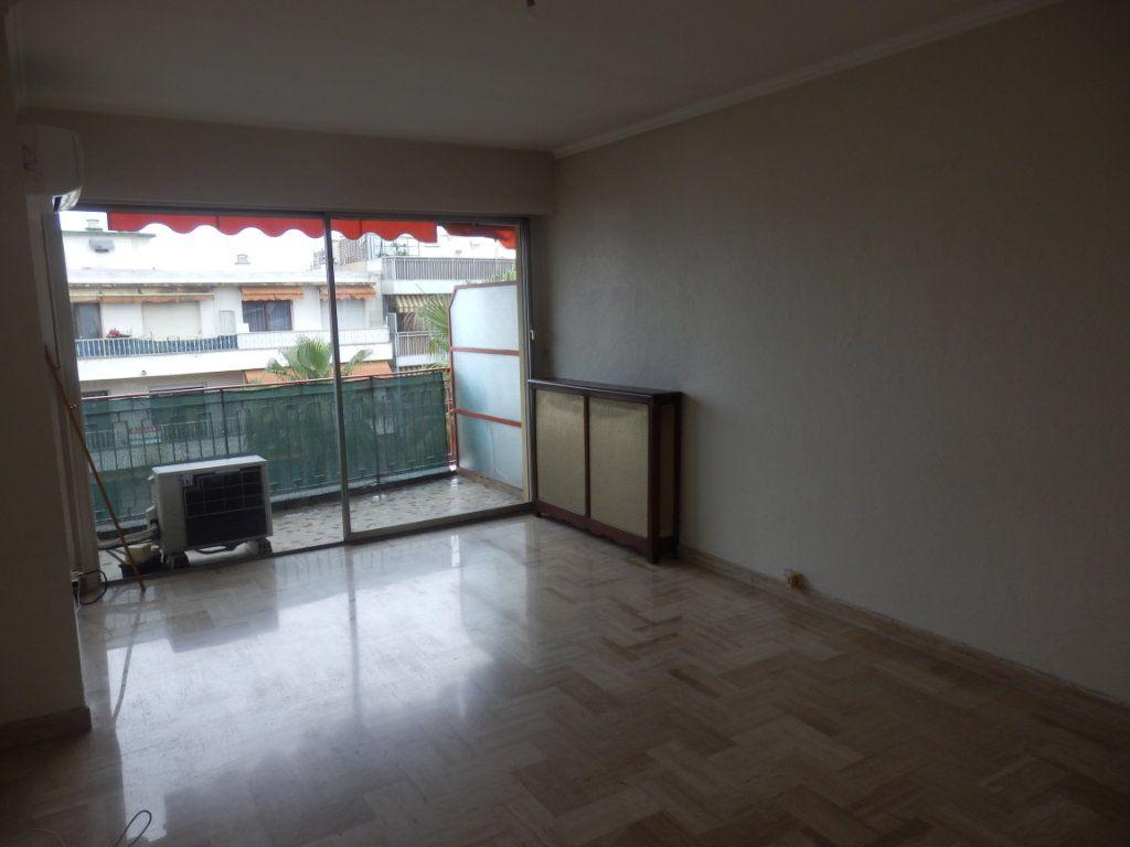 Appartement à louer 2 51m2 à Cagnes-sur-Mer vignette-5
