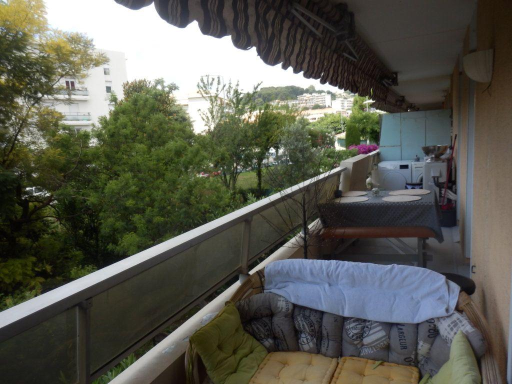 Appartement à vendre 3 0m2 à Cagnes-sur-Mer vignette-1