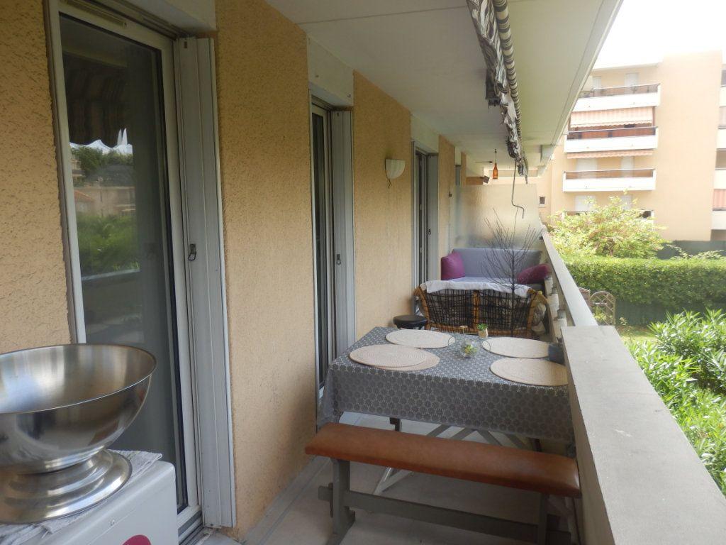 Appartement à vendre 3 0m2 à Cagnes-sur-Mer vignette-5