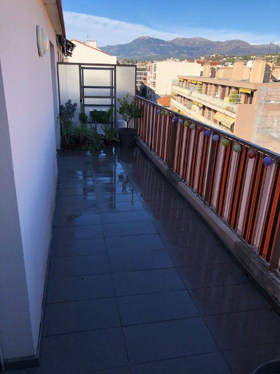 Appartement à vendre 4 90.04m2 à Cagnes-sur-Mer vignette-4
