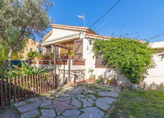Maison à vendre 4 115m2 à Cagnes-sur-Mer vignette-1